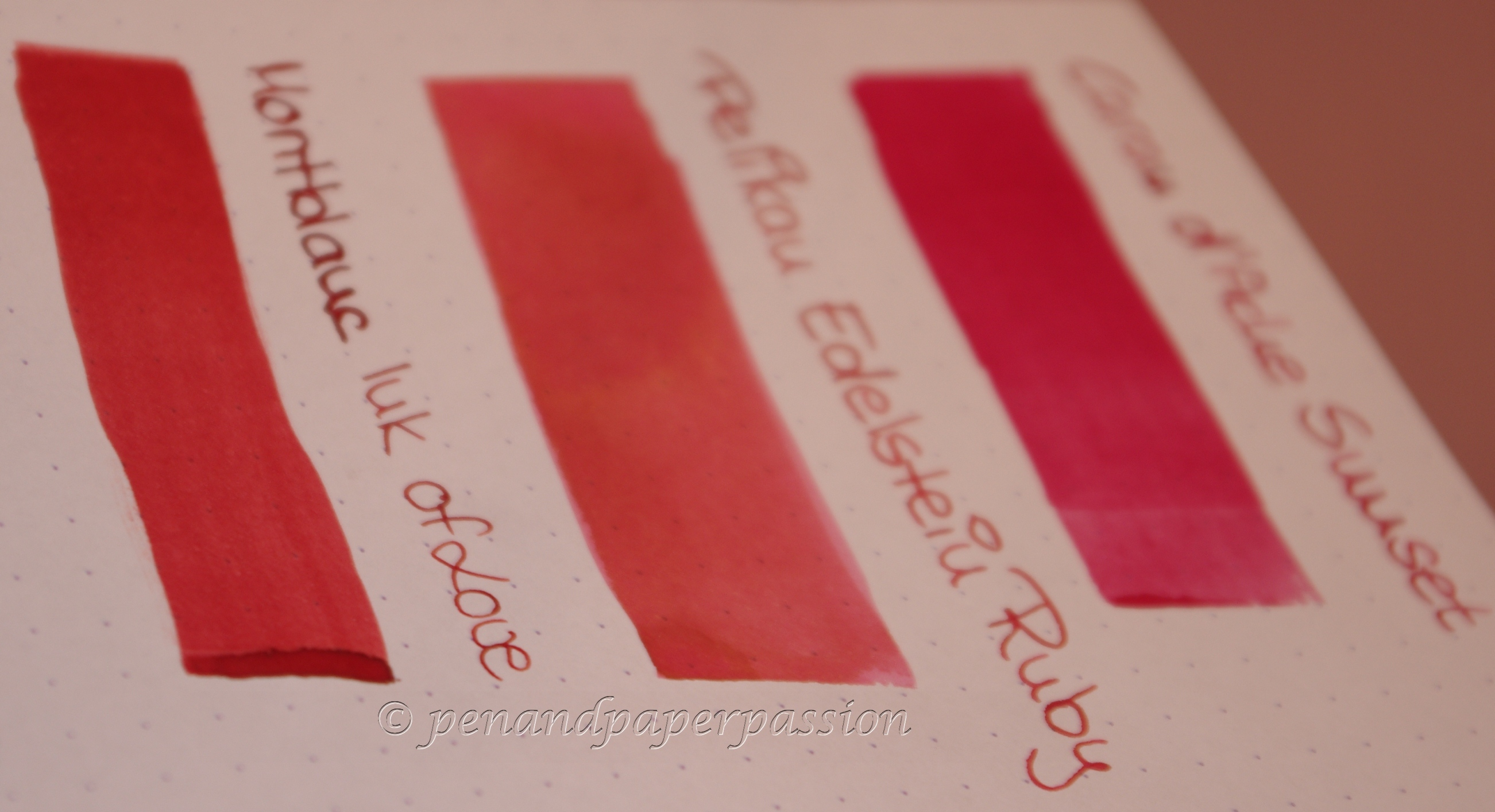 3 Rote - Caran d'Ache Sunset, Pelikan ES Ruby, MB Ink of Love 4